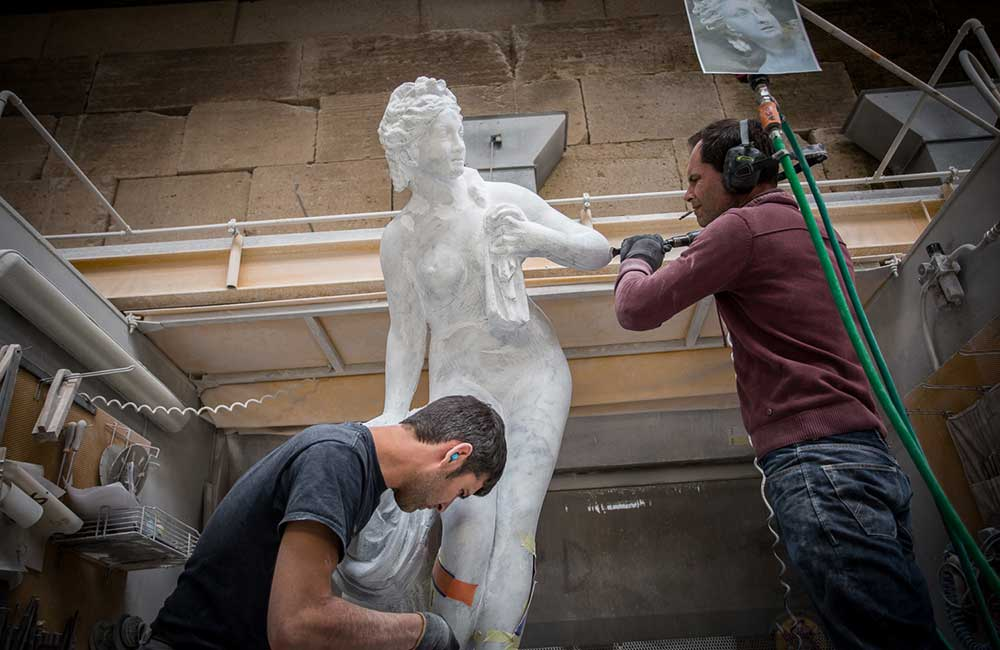 Intervention des sculpteurs